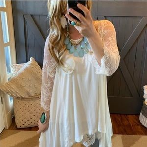 🎀🌸🎉 Adorable Lace Sleeve Bohemian Tunic🎀